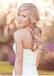 Свадебная прическа с волосами на заколках