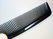 Расчёски пластмассовые два вида зубчиков оптом